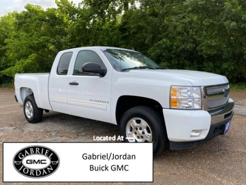 Pre-Owned 2009 Chevrolet Silverado 1500 2WD Ext Cab 143.5 LT